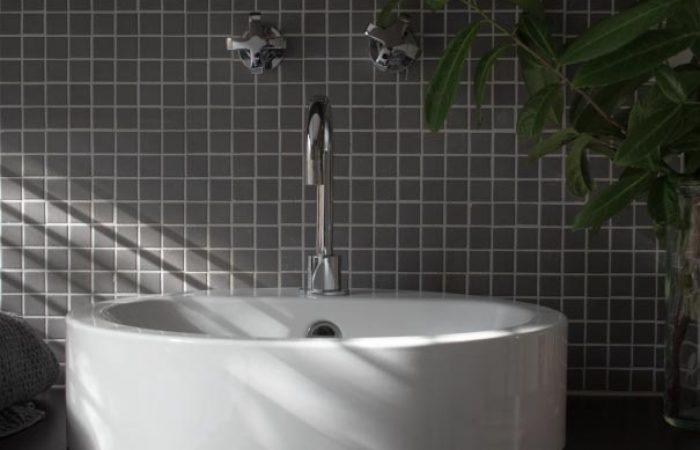 bathroom basin at daybreaker daylesford