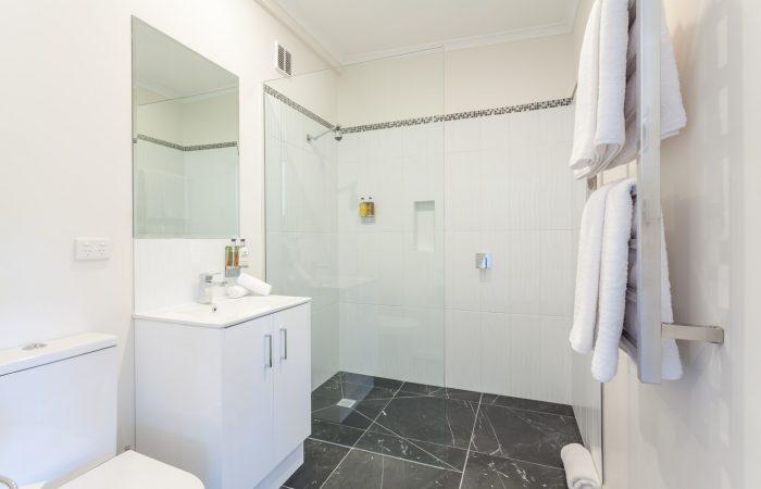 balconies lakeside shower room