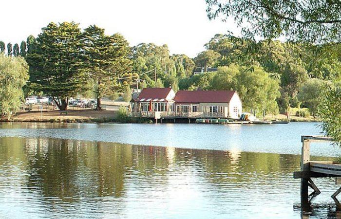 lake daylesford boats and lake house cafe